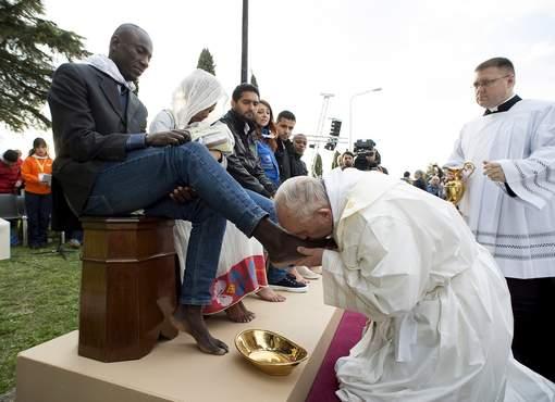 pape lave pieds