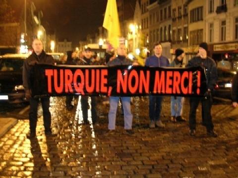 Têtes de kurdes contre têtes de turcs ?