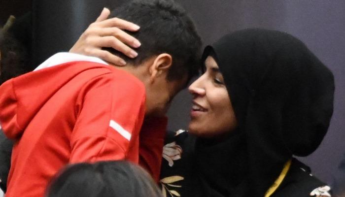 La « maman » voilée « traumatisée » était en fait proche d'une association d'islamistes