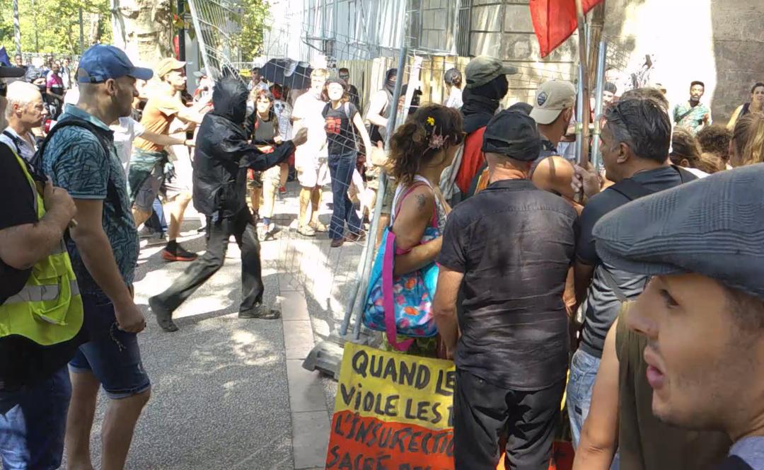 Vidéo manif anti-passe sanitaire à Montpellier le 21/08/21