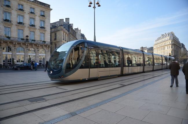Bordeaux derrière l'écologie l'économie socialiste